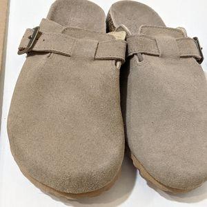 Shoes - Women's Clogs